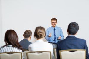 Absolvovanie lektorského kurzu je podmienkou pre pôsobenie ako lektor vo viacerých oblastiach